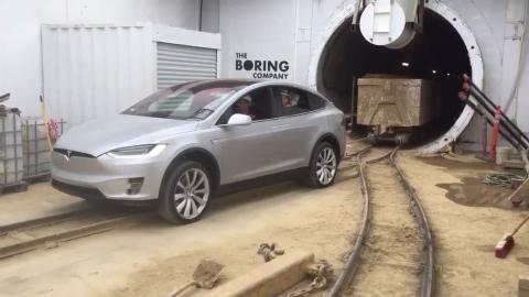 Tesla Model X's impressive feat --- tows 250,000-pound cargo!
